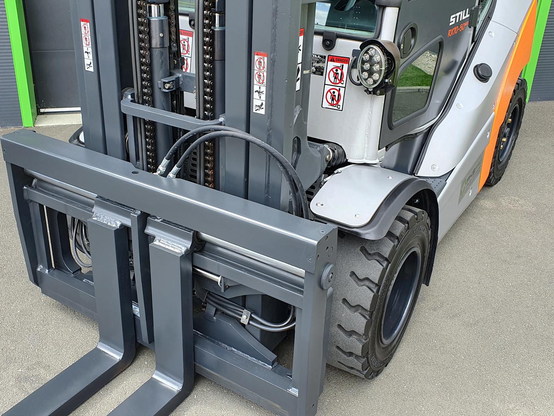 Viličar STILL RX70-50/600D – Generalno obnovljen s pozicionerjem vilic